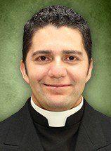 Rev. Roberto Suarez : Parochial Vicar