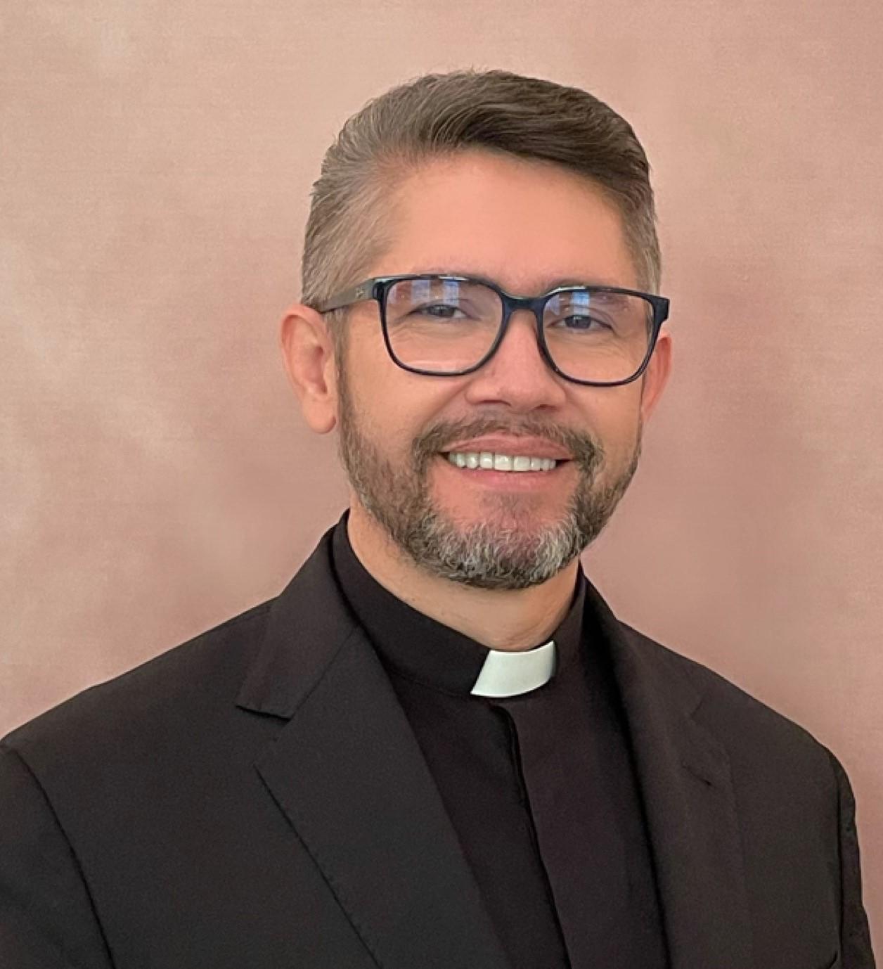 Father Vanderley Oliveira : Parochial Vicar/Chaplain to the Atlanta Brazilian Community